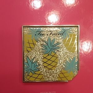 Too Faced Pineapple Strobing Bronzer Makeup